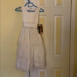 Dresses & Skirts - Girls communion dress